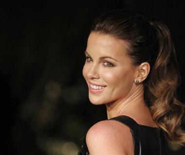 """Kate Beckinsale prostuje kłamstwa o swojej waginie. I ujawnia, że nazywa ją """"Sir Paul McCartney"""""""