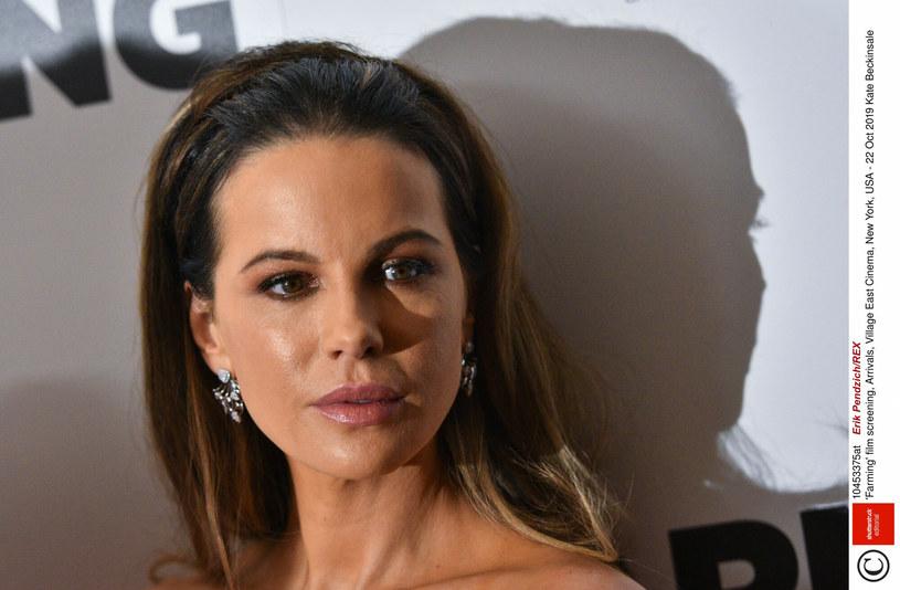 Kate Beckinsale zdradziła, że Uma Thurman zaoferowała jej swoją pomoc w momencie, gdy najbardziej jej potrzebowała /Rex Features /East News