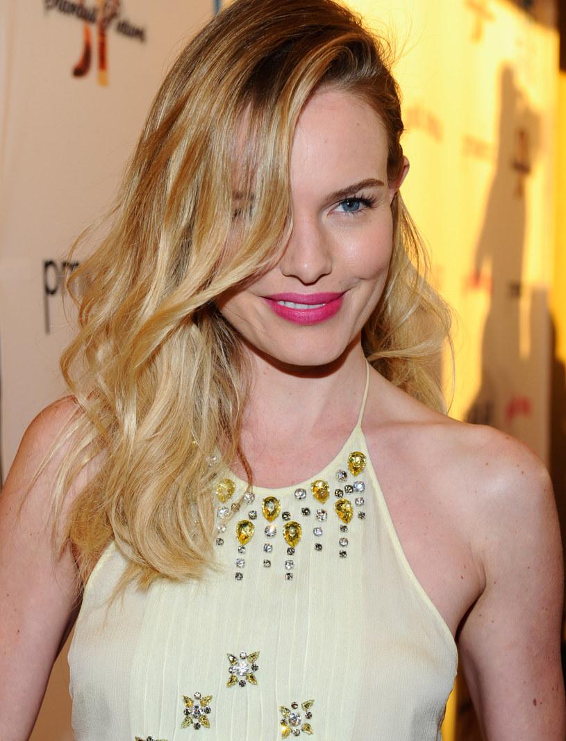 Kate Bosworth ma delikatne włosy, wprost stworzone do asymetrycznych fal /- /Getty Images