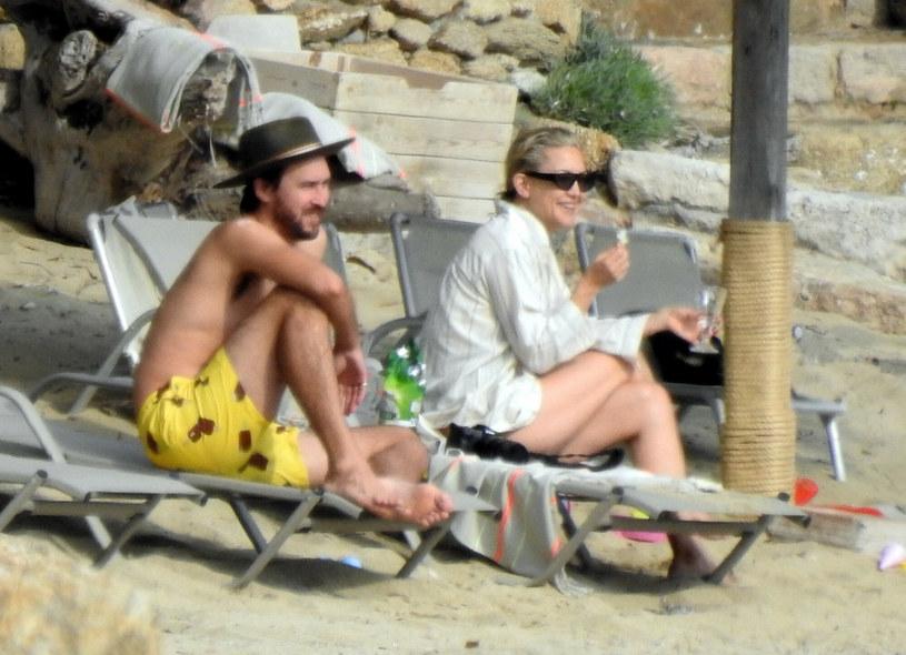 Kate Hudson z rodziną podczas wakacji w Grecji /SplashNews.com /East News