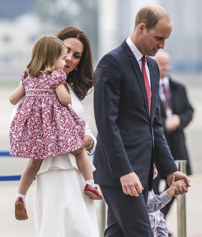Kate i William z dziećmi w Warszawie /- /East News