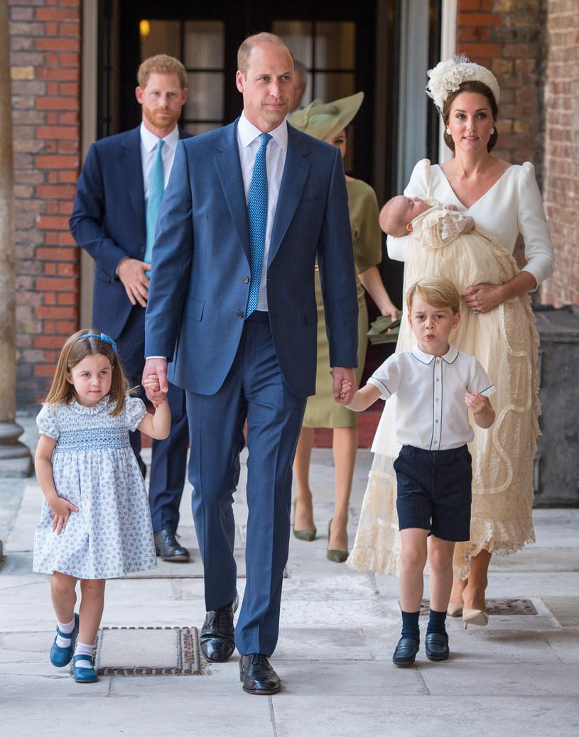 Kate i William z dziećmi /Dominic Lipinski   /Getty Images