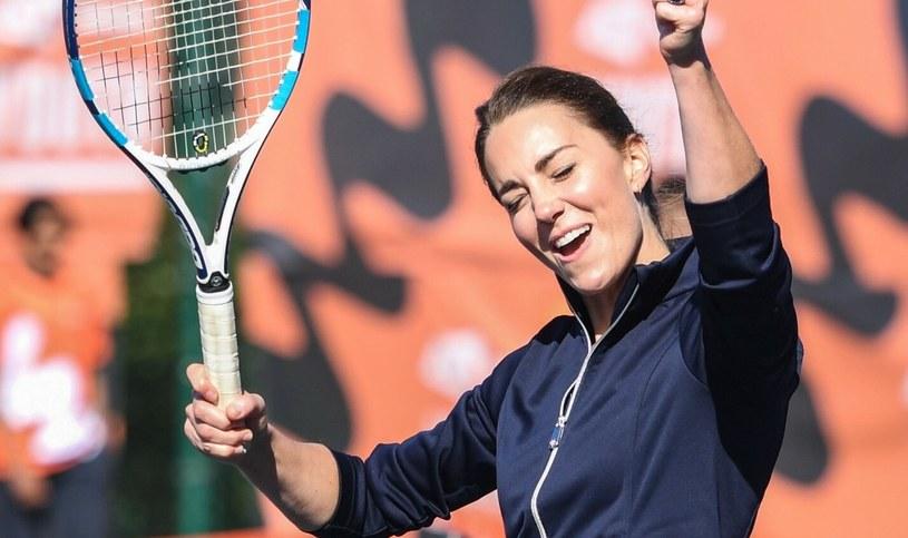 Kate Middleton cieszyła się dniem spędzonym na korcie tenisowym /Jeremy Selwyn-Evening Standard/POOL supplied by Splash News /East News