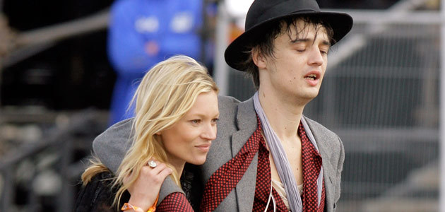 Kate Moss i Pete Doherty w Glastonbury, fot. Matt Cardy   /Getty Images/Flash Press Media