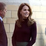 Kate w nietypowej dla siebie stylizacji. I z drogą torebką...