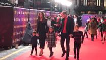 Kate, William i ich dzieci - rodzina w komplecie na czerwonym dywanie