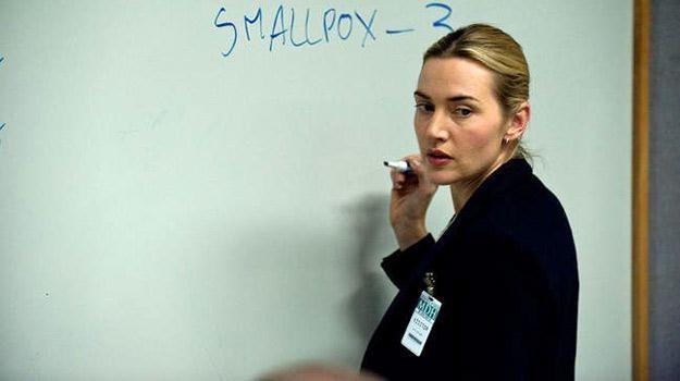 "Kate Winslet w filmie ""Contagion - epidemia strachu"" /materiały dystrybutora"