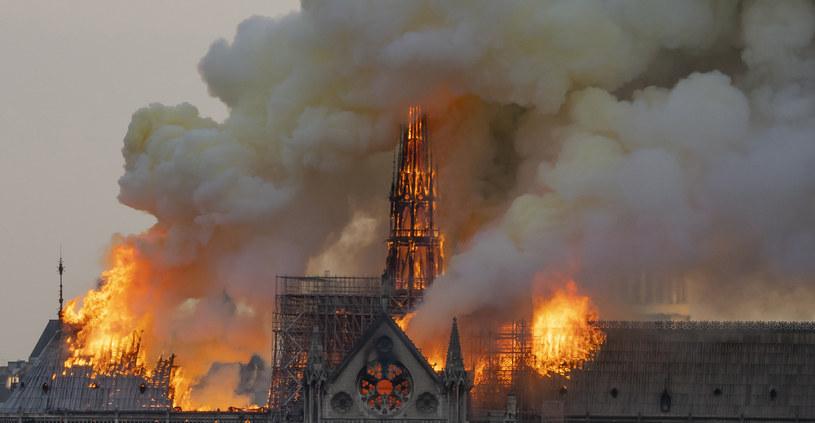 Katedra Notre Dame w ogniu /Fabien Barrau / AFP /AFP