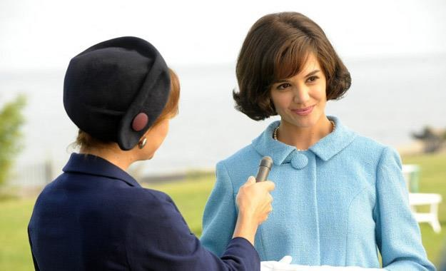 """Katie Holmes w serialu """"The Kennedys"""" /materiały prasowe"""