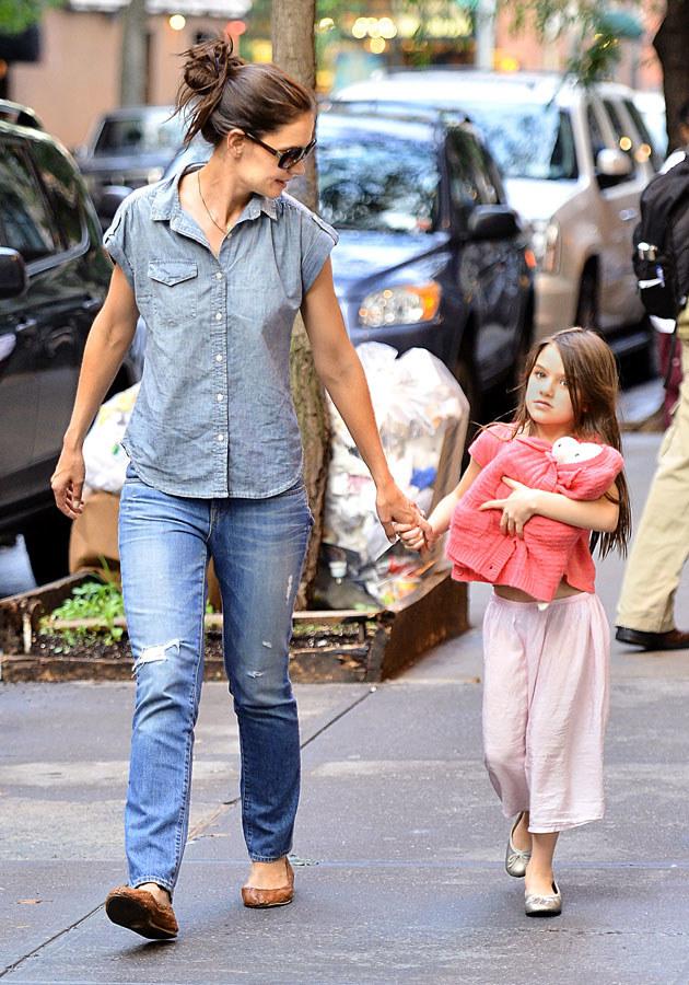 Katie zrobi teraz wszystko, by ochronić córkę /Splashnews