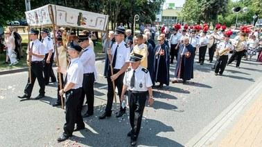 Katolicy obchodzą uroczystość ku czci Najświętszego Sakramentu, tzw. Boże Ciało