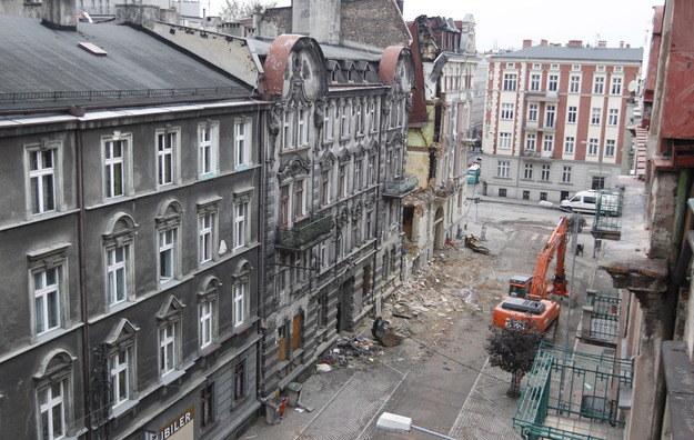 Katowice. Kamienica zniszczona w wyniku wybuchu gazu /Andrzej  Grygiel /PAP
