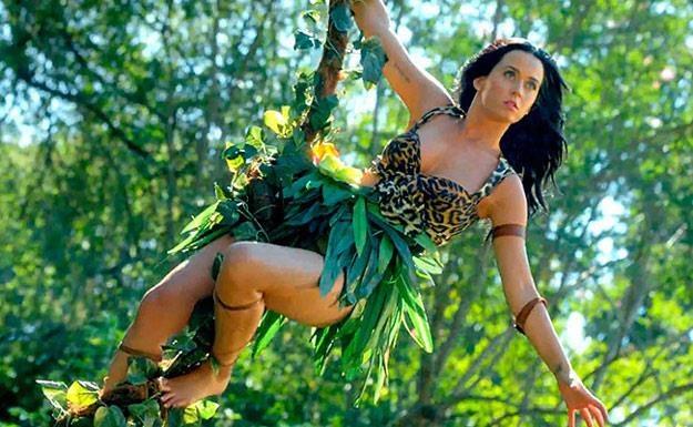 """Katy Perry w teledysku """"Roar"""" /"""