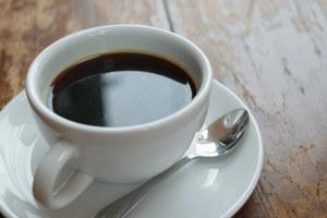 Kawa a Alzheimer. Zmniejsza ryzyko nawet o 65 procent