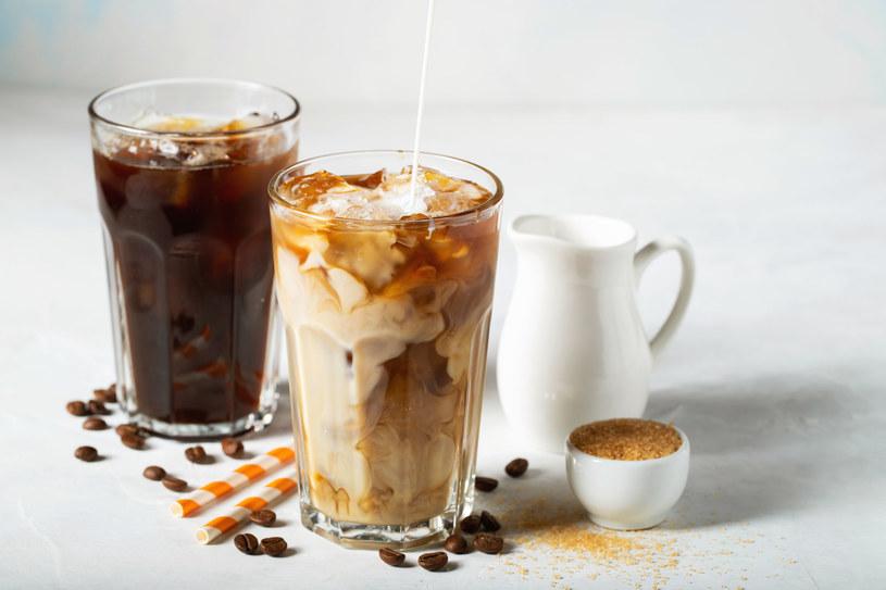Kawa doskonale smakuje m.in. z chili, cynamonem i imbirem. /123RF/PICSEL