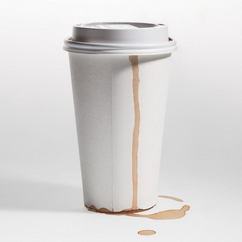 kawa na stacji benzynowej /© Photogenica