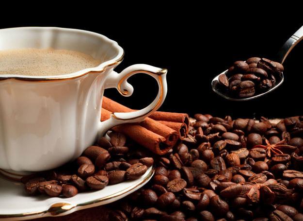 Kawa wpływa na dobry humor /123RF/PICSEL