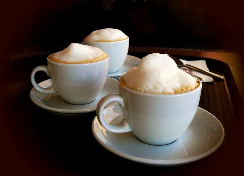kawa z pianką /© Photogenica