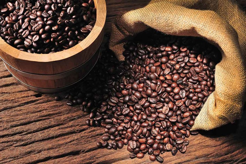 Kawę przechowuj w szczelnych pojemnikach /123RF/PICSEL