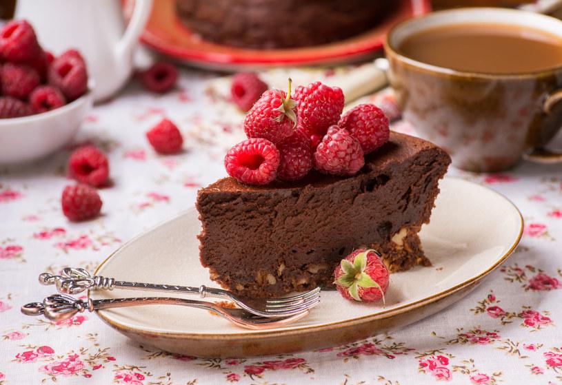 Kawowe brownie z malinami /123RF/PICSEL