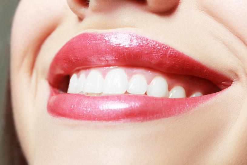 Każda kobieta chce mieć zdrowe i piękne usta /123RF/PICSEL