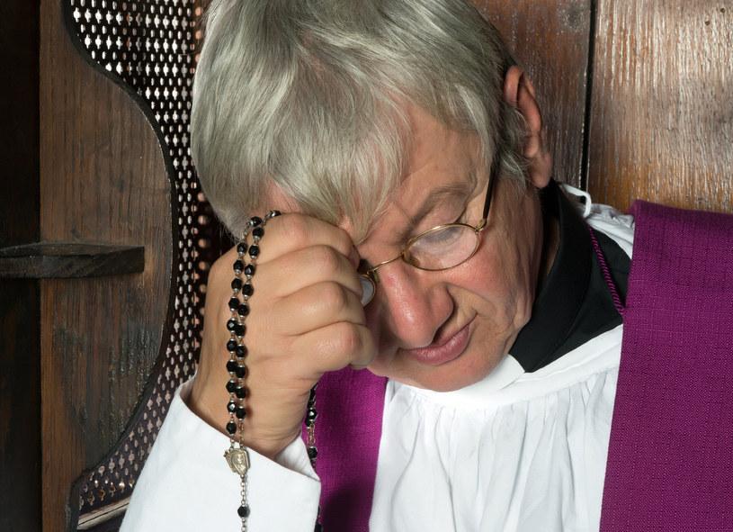 """""""Każda parafia, gdzie posługiwano się fałszywymi dokumentami jest zobowiązana do zawiadomienia policji o podejrzeniu popełnienia przestępstwa"""" /123RF/PICSEL"""