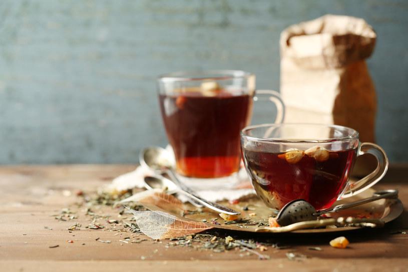 Każda z herbat ma inne właściwości. Warto je poznać /123RF/PICSEL
