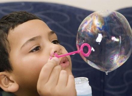 Każde dziecko ma prawo do szczęścia /ThetaXstock