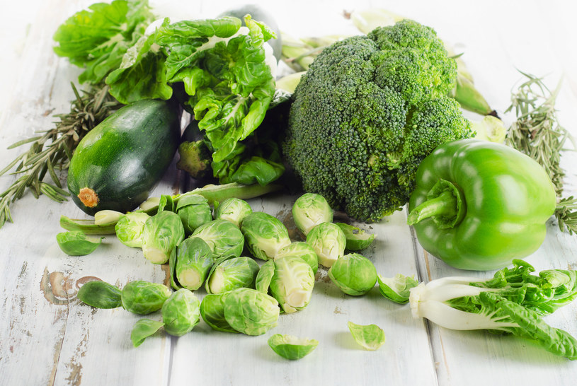 Każdego dnia poleca się spożywać przynamniej pół kilograma warzyw /123RF/PICSEL