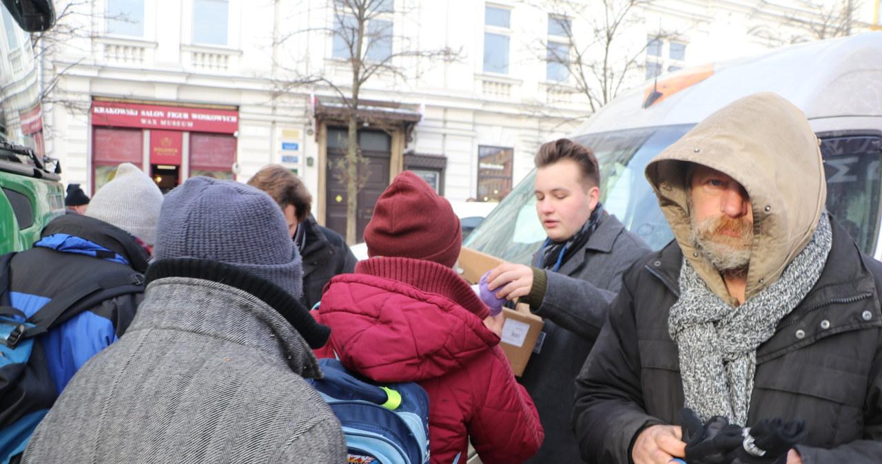 Każdy, kto pojawił się na wigilii w Krakowie, mógł liczyć na ciepły posiłek