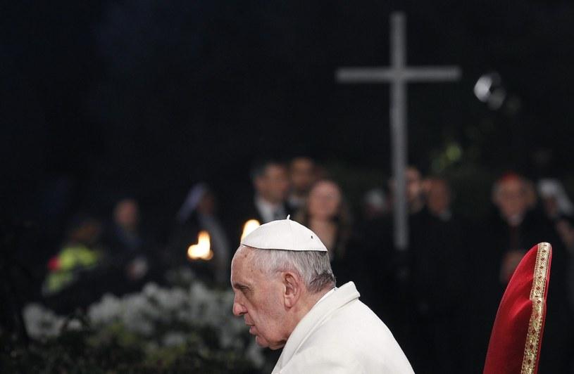 """""""Każdy papież w jakimś sensie nadaje kształt Kościołowi"""" /PAP/EPA"""