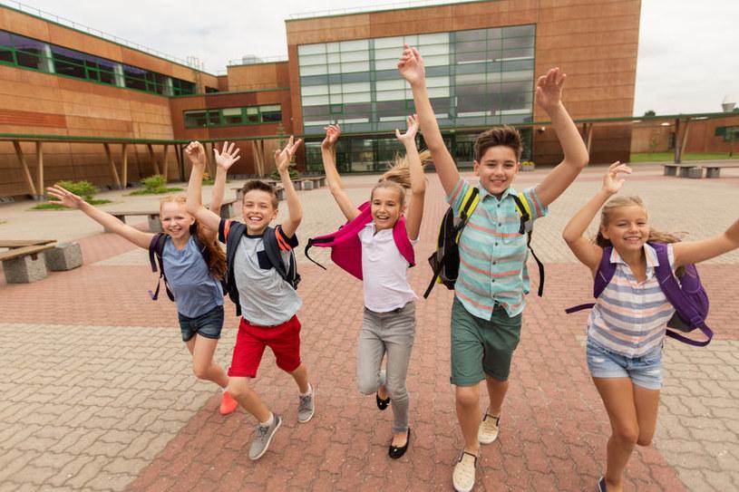 Każdy rodzic zastanawia się, kiedy dzieci wrócą do szkoły? /123RF/PICSEL