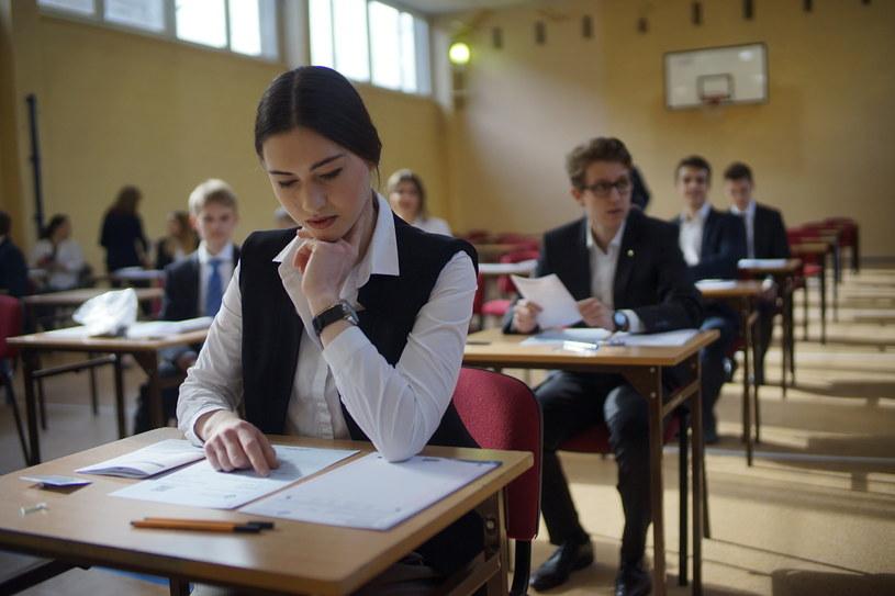 Każdy uczeń musi zdać co najmniej cztery egzaminy pisemne i dwa ustne (zdj. ilustracyjne) / FOT. GRZEGORZ DEMBINSKI/POLSKA PRESS /East News