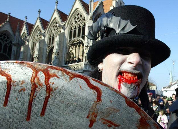 Każdy z nas może na chwilę stać się wampirem /AFP