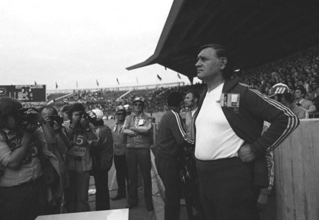 Kazimierz Górski podczas meczu Polska - Argentyna w 1974 roku /Stanisław Jakubowski    /PAP