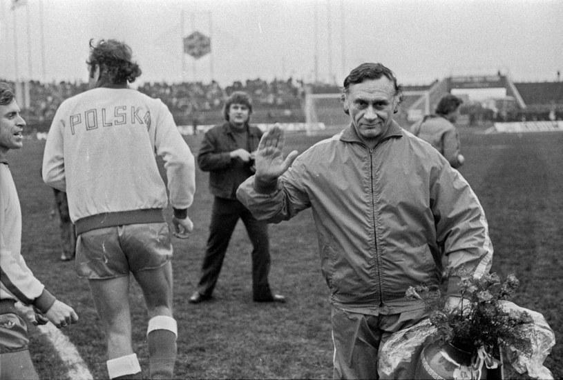 Kazimierz Górski podczas meczu z Finlandią w el. ME w 1974 roku /Tomasz Prażmowski  /Agencja Forum