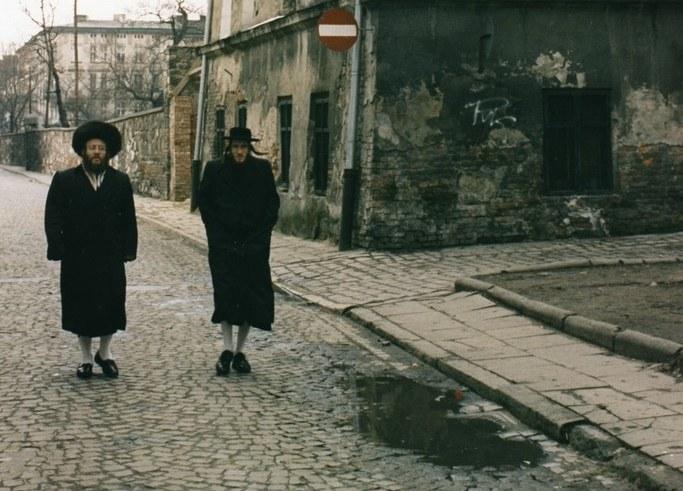 Kazimierz w 1998 roku nie przypominał tętniącej nocnym życiem dzielnicy Krakowa, jaką jest obecnie /Wiesław Zieliński /East News