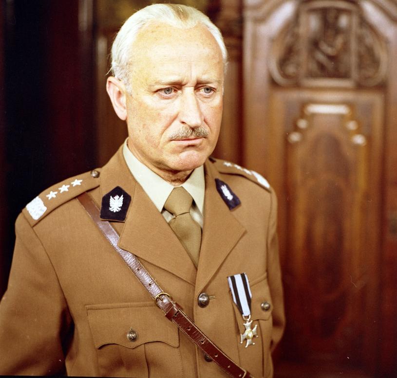 """Kazimierz Witkiewicz jako generał Władysław Sikorski w filmie Jerzego Hoffmana """"Do krwi ostatniej..."""" (1978) /East News"""