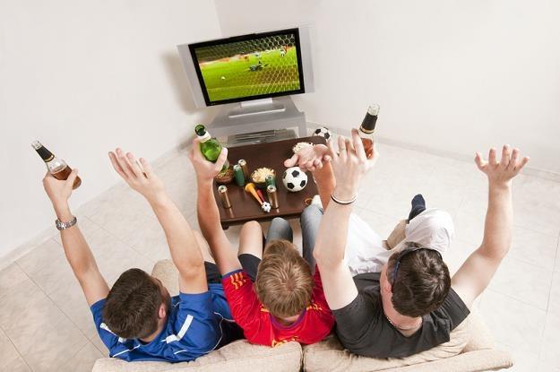 KE chce skończyć z geoblokowaniem transmisji meczów i filmów online /© Panthermedia