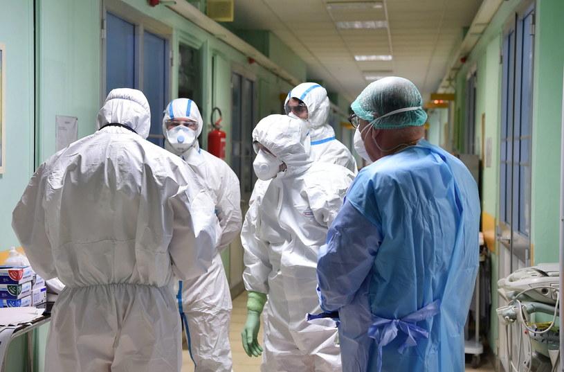 KE na temat koronawirusa: Musimy być gotowi na najgorszy scenariusz /ALESSANDRO DI MARCO  /PAP/EPA