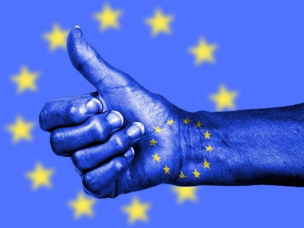 KE pozytywnie ocenia fundamenty polskiej gospodarki /©123RF/PICSEL