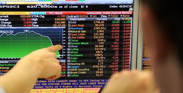 KE przyjęła propozycję podatku od transakcji finansowych w UE /AFP