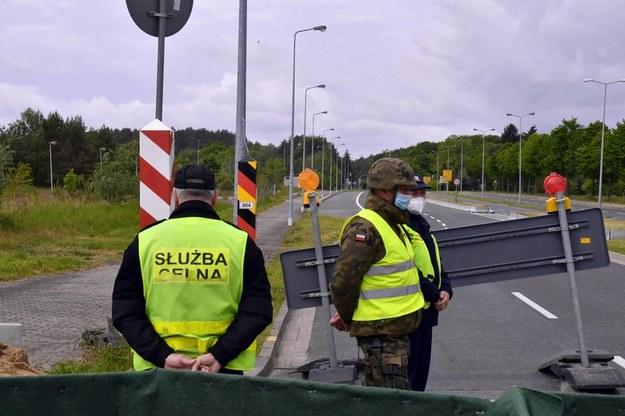 KE rekomenduje stopniowe otwieranie granic zewnętrznych UE od 1 lipca / Marcin Bielecki    /PAP