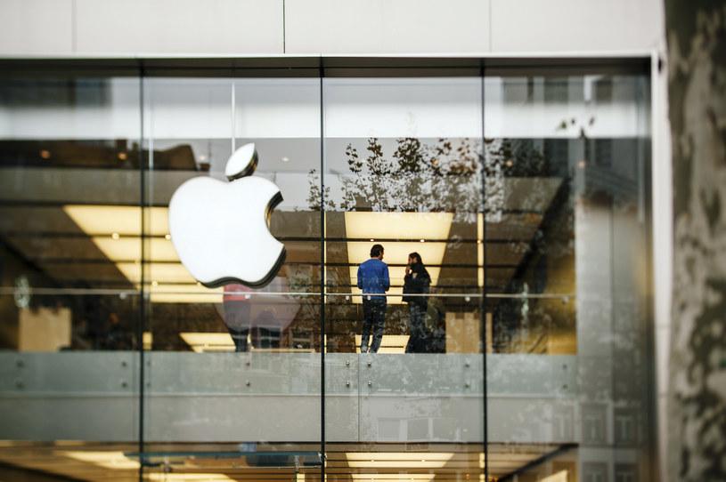 KE wszczęła postepowania antymonopolowe wobec firmy Apple /123RF/PICSEL