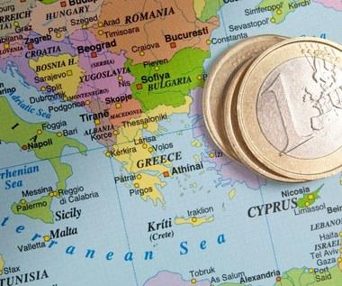 """KE wszczyna procedurę przeciw """"złotym paszportom"""""""