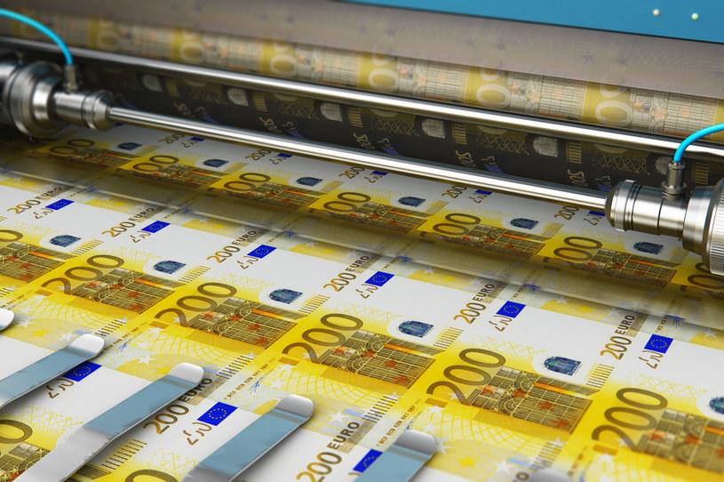 KE wypłaciła Polsce 1 mld euro na ochronę miejsc pracy /123RF/PICSEL