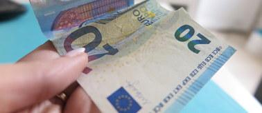 KE zgodziła się na pomoc dla pogrążonego w kryzysie banku. Otrzyma kilka miliardów euro