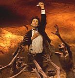 "Keanu Reeves w filmie ""Constantine"" /INTERIA.PL"