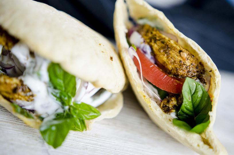 Kebab drobiowy to świetny wybór w domu i poza nim /INTERIA.PL
