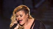 """Kelly Clarkson wróciła do """"American Idol"""" i doprowadziła jurorów do łez"""